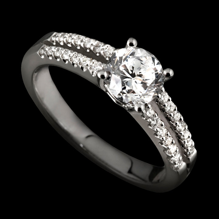 Top 10 Tips When Buying An Engagement Ring