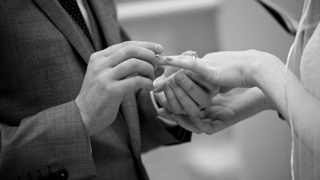 ebony_and_pearl_real_alternative_wedding_irelan d (30)