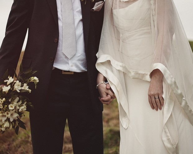 real-bride-tulle-cape-pawel-bebenca.jpg