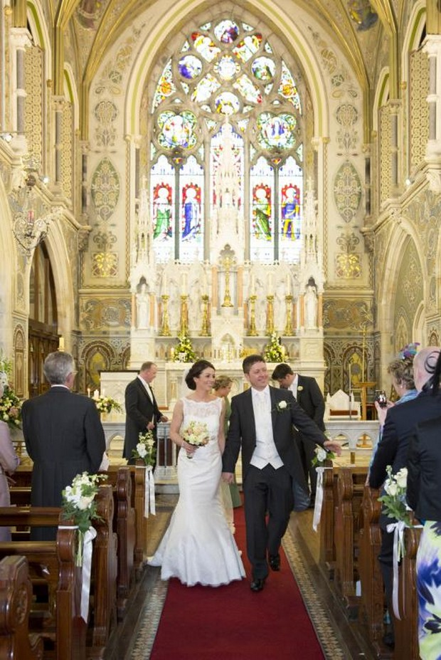 julie-cummins-real-wedding_just-married