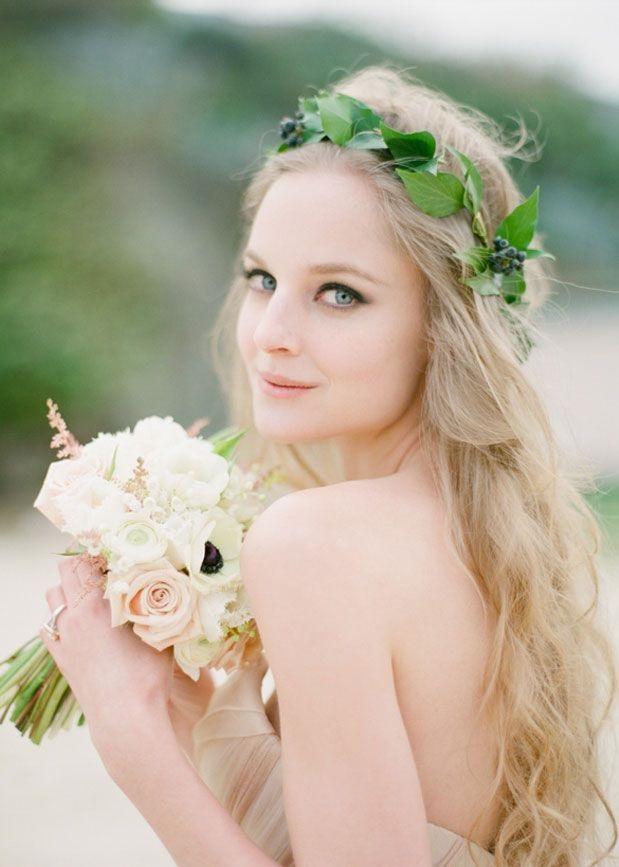 berry_wreath_long_hair_Down-wedding-hairstyle