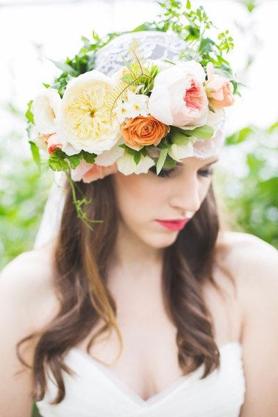 flowercrown wedding hairstyle