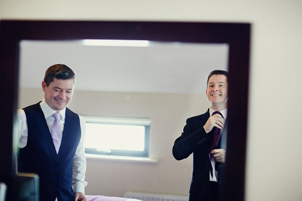 groom-best-man-getting-ready-wedding-morning