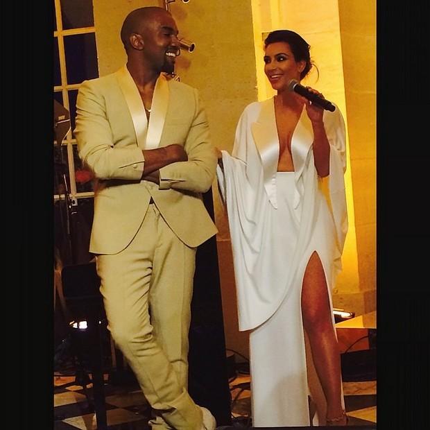 Kim Kardashian Amp Kanye Wests Wedding Through The Eyes Of Instagram