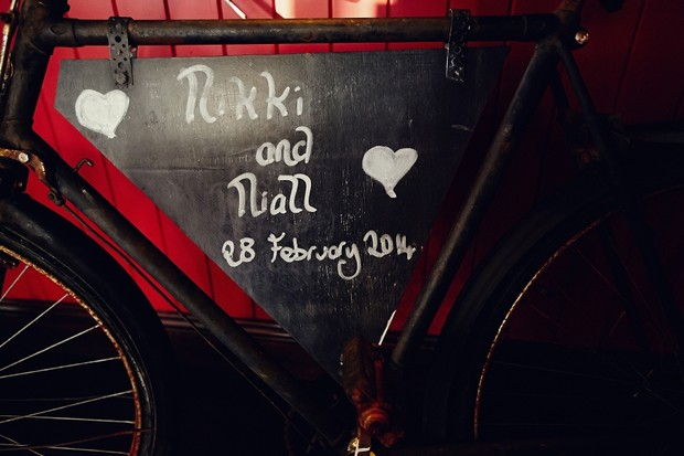 wedding-bicycle-chalkboard-sign-decor