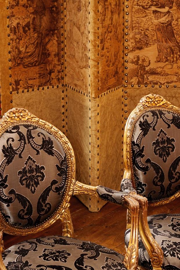 antique chairs wedding ceremony