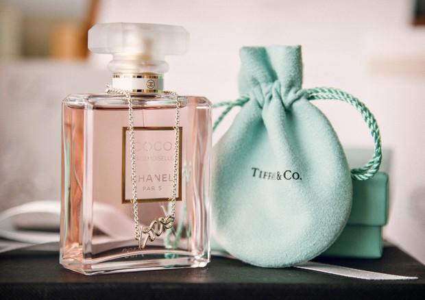 Tiffeney & Co wedding gift chanel perfume