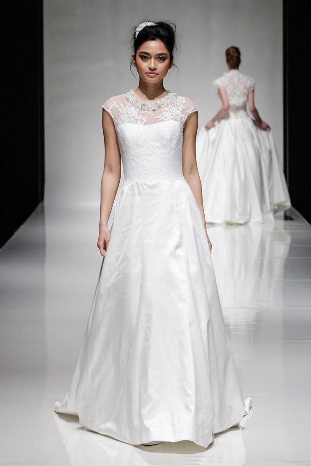 alan-hannah-vestidos-de-novia-sándalo-2