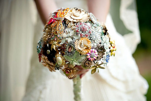 There S No Denying Fresh Flowers Are A Perfect Match For Weddings Full Of Romance And The Way To Pretty Up Your Ceremony Reception E