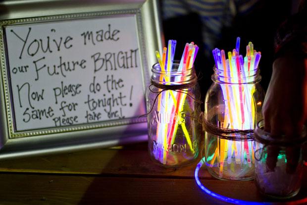 glowsticks-wedding-festival