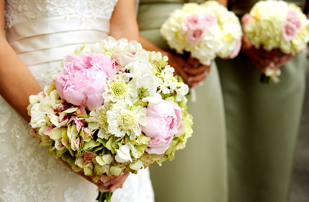 Wedding flowers by season spring weddingsonline wedding flowers by season spring junglespirit Image collections