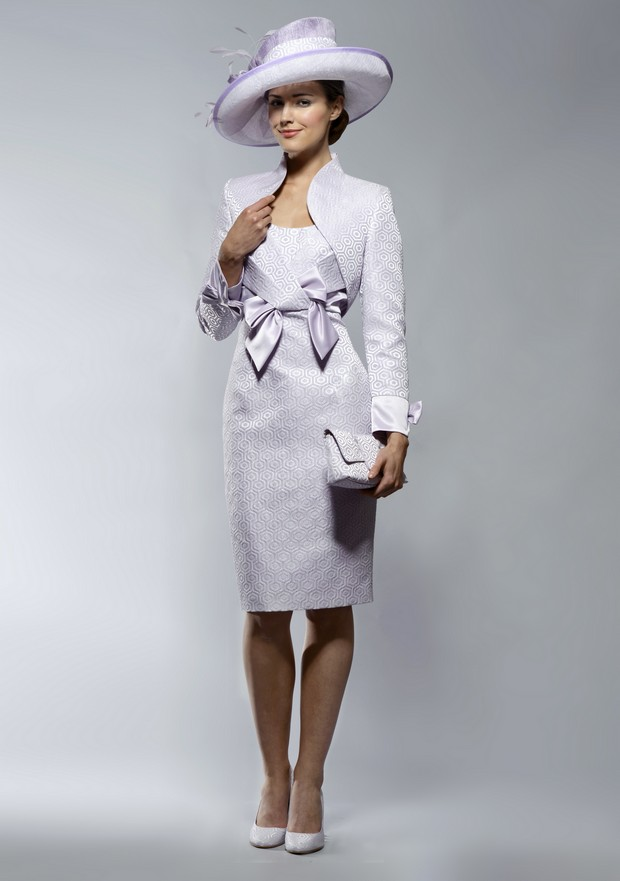 20 beautiful mother of the bride outfits weddingsonline for Dress and jacket outfits for weddings