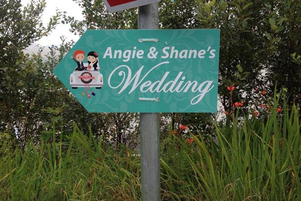 wedding-signs-festival-inspired-weddings