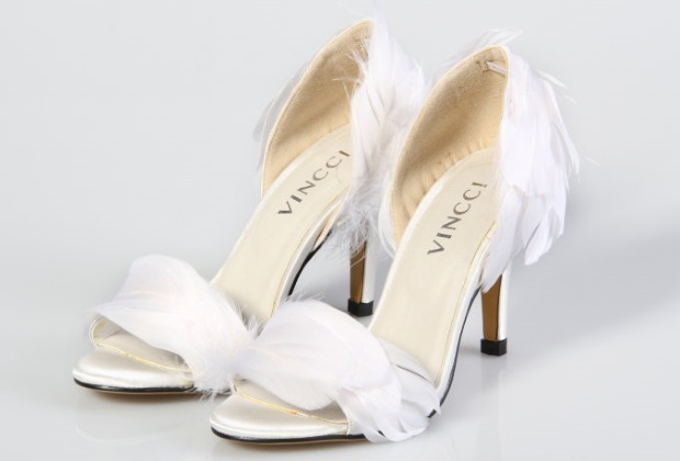 Ask Wol Where To Find Fabulous Low Mid Heel Wedding