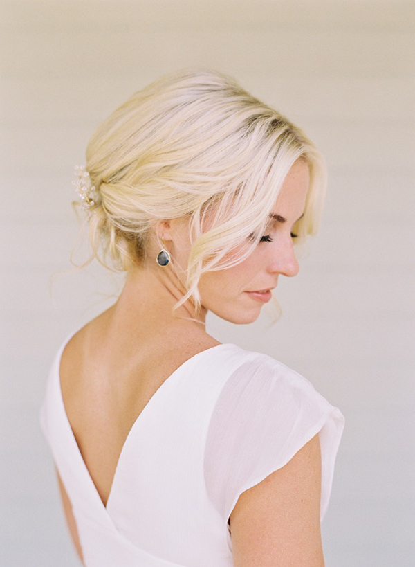 elegant-bride-wedding-hairstyles