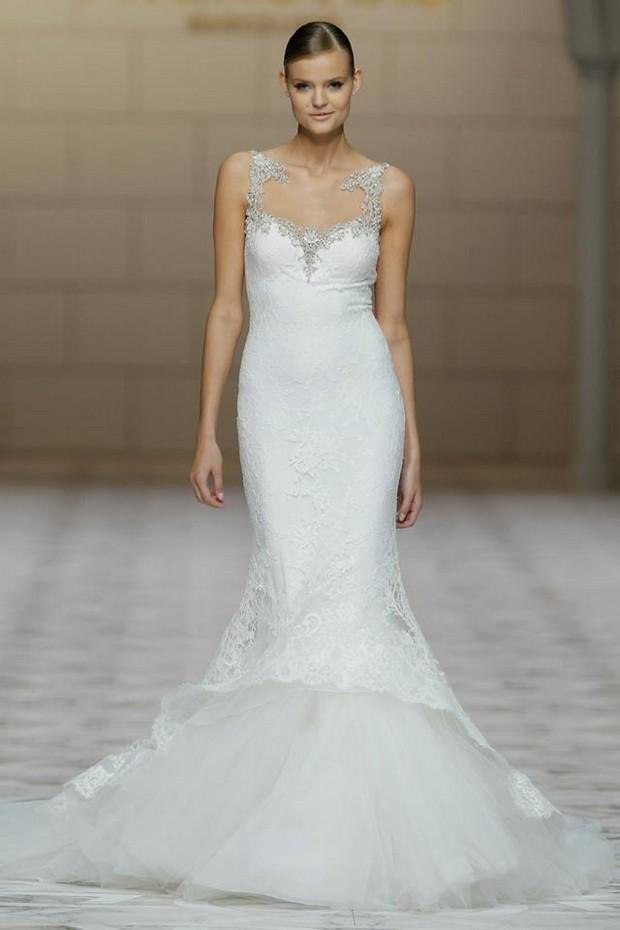 pronovias-2015-fishtail-wedding-dress