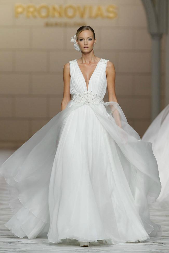 pronovias-2015-grecian-style-wedding-dress