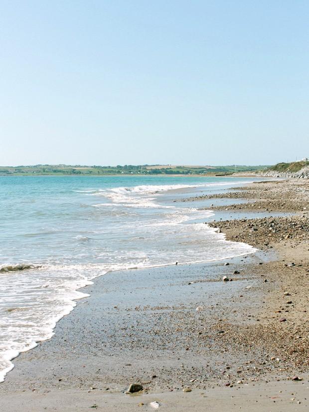 rocky beach strand ireland garryvoe