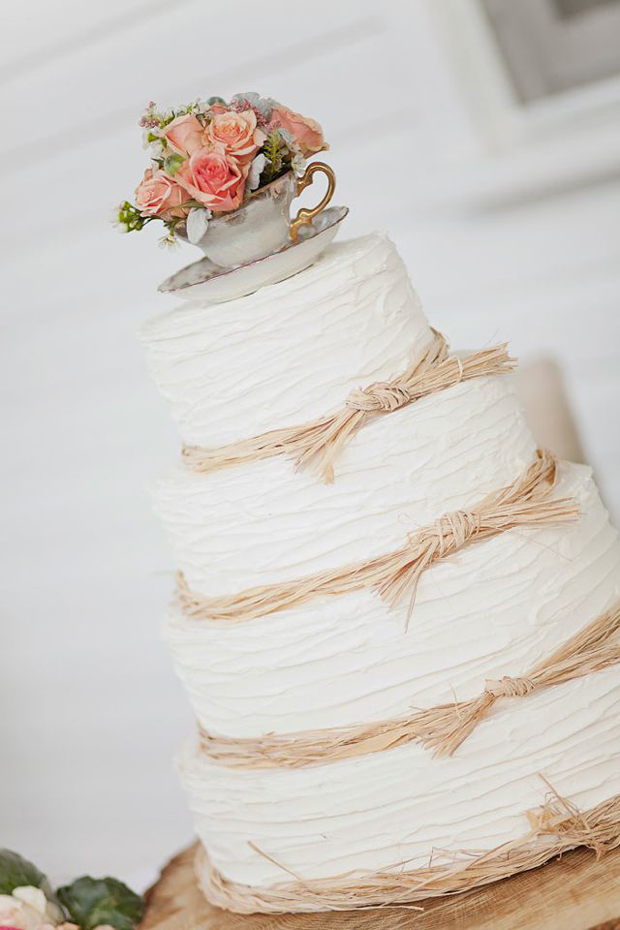 shabby chic wedding cake ideas wedding decor 10 of the cutest ways to use vintage 19767
