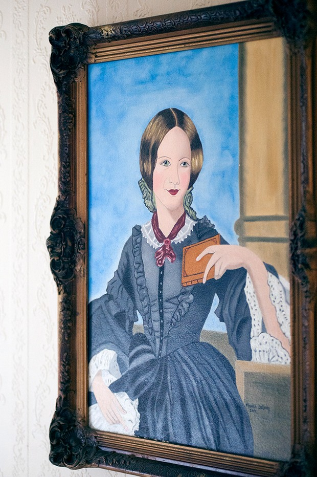 old 1900s painting portrait woman