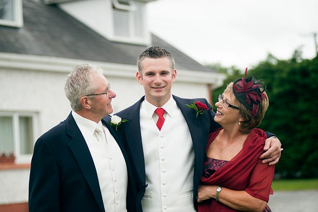 groom with parents