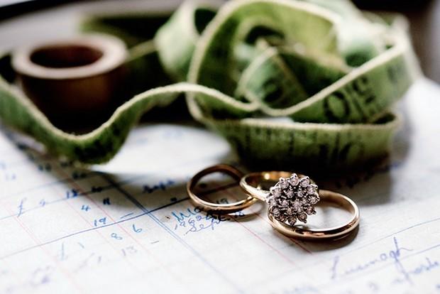 flower shape engagement ring gold