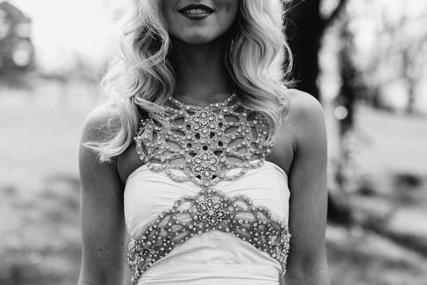 detalle-armadura-cuerpo-joyas-vestidos-de-novia-accesorios