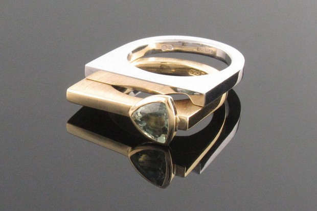 18ct-yellow-and-white-gold-green-sapphire-engagement-ring-set