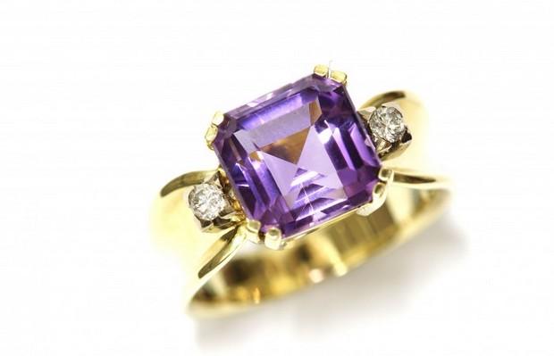 amethyst-engagement-ring-carolclarke