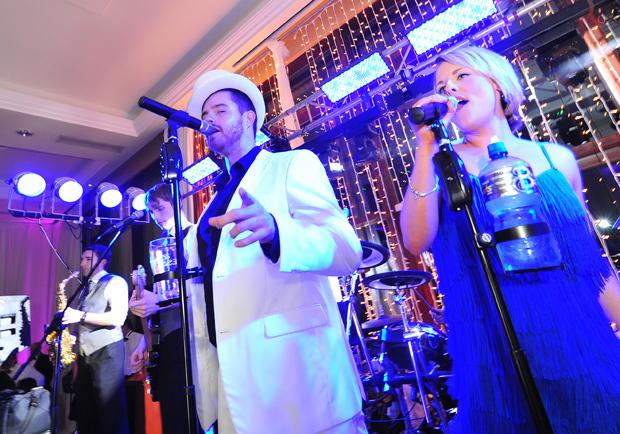 real-wedding-trim-castle-band