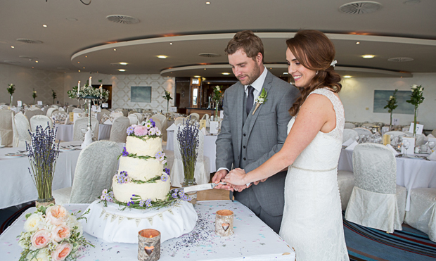 tara-john-wedding-cake-cutting
