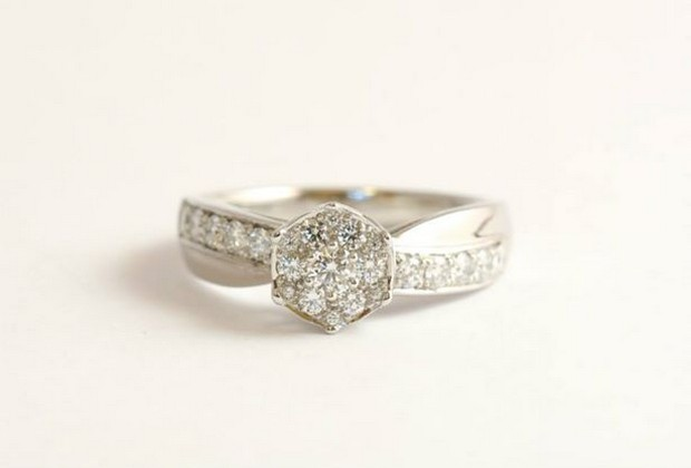 unusual-engagement-ring-aoifeomahony