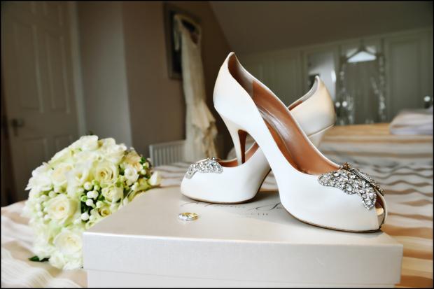 wedding-shoes-trim-castle-wedding