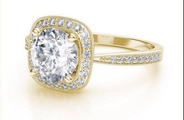 yellow-gold-diamond-engagement-ring-loyesdiamonds