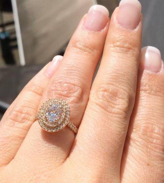 yellow-gold=oval-engagement-ring-loyesdiamonds