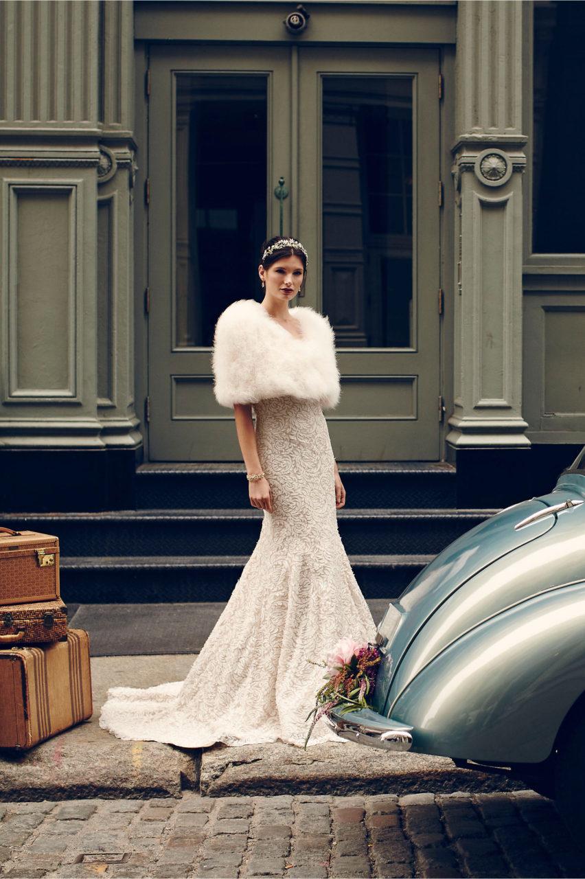 15 Fabulous Wedding Dresses For A Winter Bride