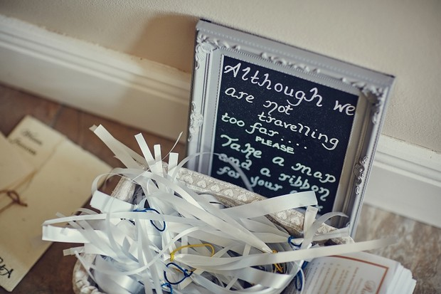 14-wedding-details-map-guests-basket