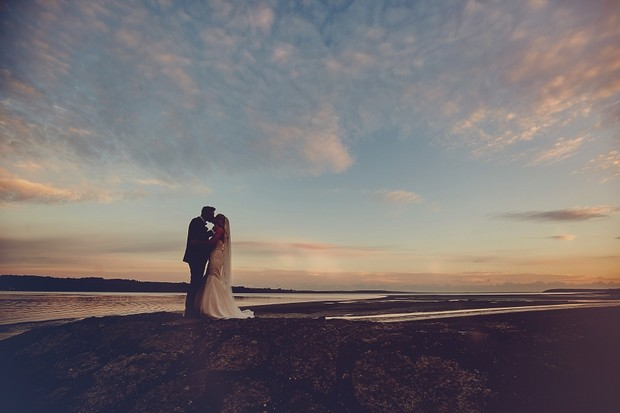 46-fine-art-wedding-photography-sunset-bride-groom