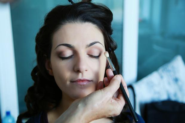 behind-the-scenes-make-up-look-marie-joseph-make-up-artist
