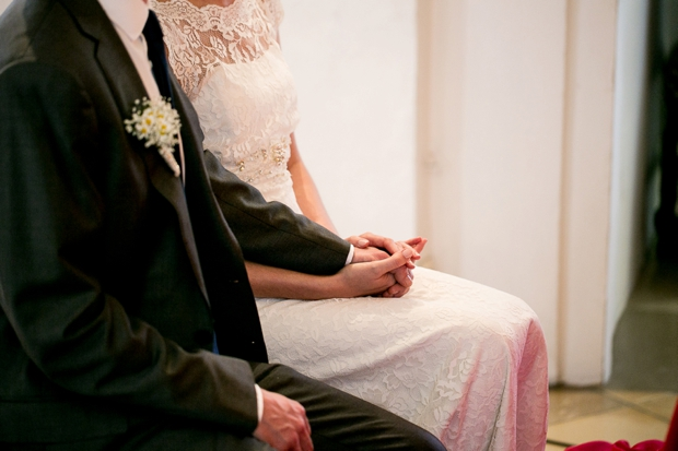 bride-and-groom-holding-hands-classic-cosy-real-wedding-in-germany