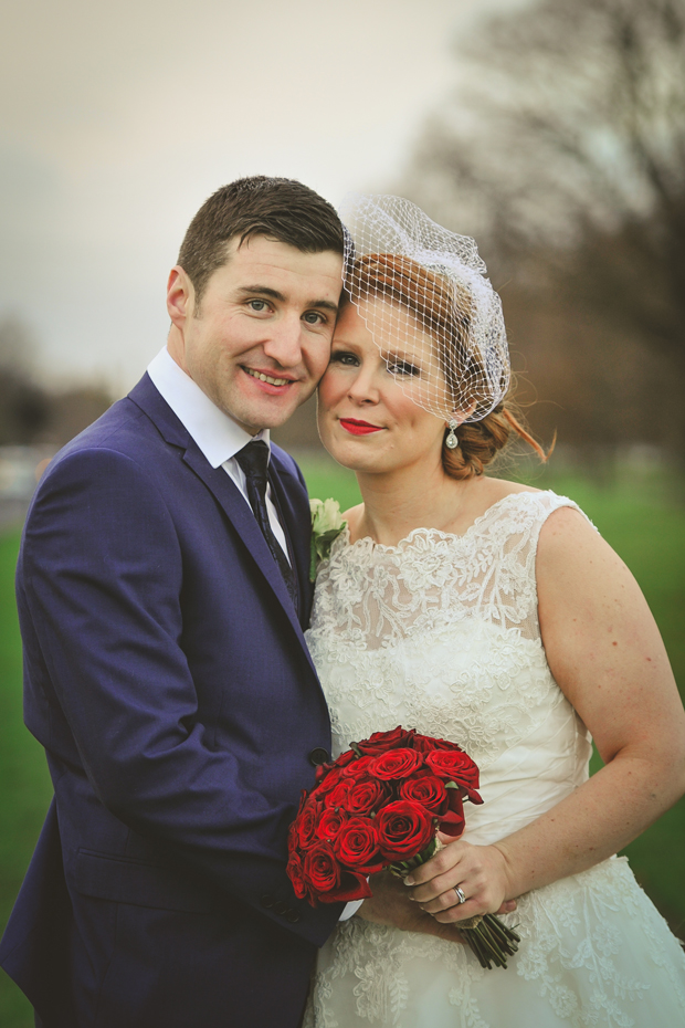 charlene-stephen-wedding-anglers-rest-bride-with-red-bouquet