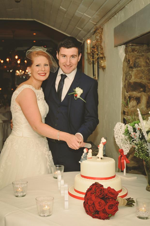 charlene-stephen-wedding-anglers-rest-wedding-cake-red-ribbons