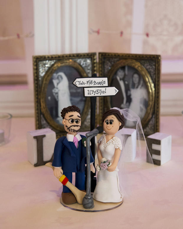 daniel-marie-therese-wedding-caricature-cake-topper