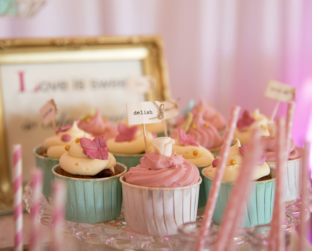 daniel-marie-therese-wedding-cupcakes