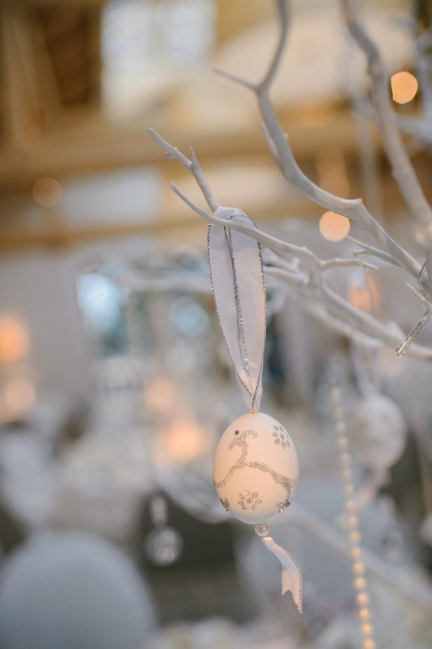 winter wonderland weddind table decor