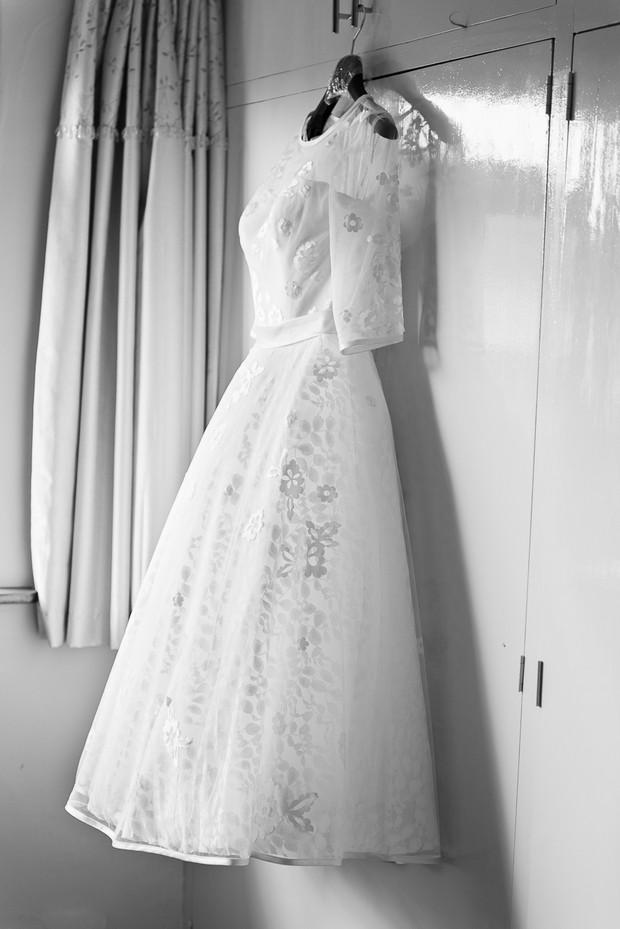 1-vintage-style-tea-length-wedding-dess