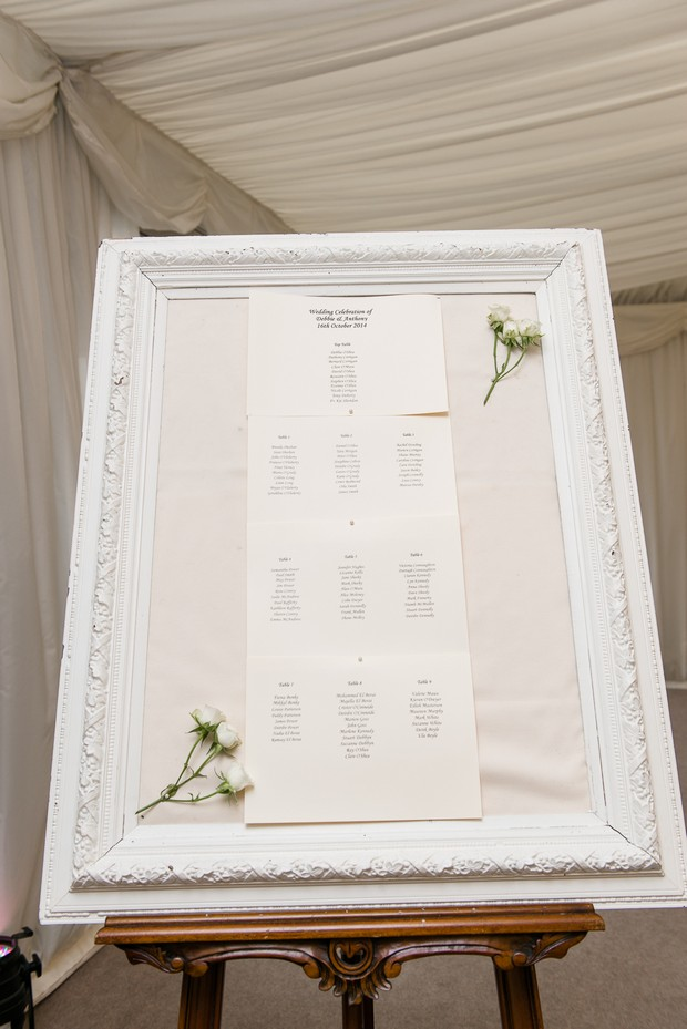 21-white-elegant-wedding-seating-plan-board