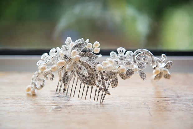 4-pearl-rhinestone-wedding-hair-comb