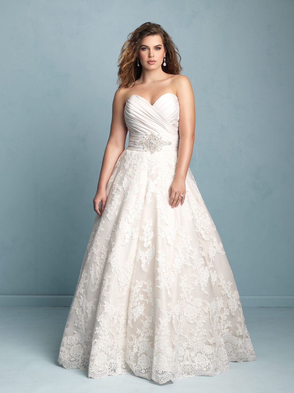 20 Amazing Plus Size Wedding Dresses