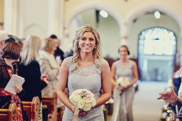 bridesmaids-walking-aisle